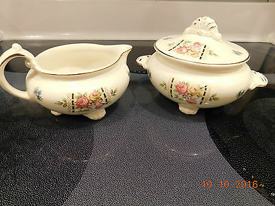 "Homer Laughlin Nautilus Cunningham & Pickett ""Colonial"" Sugar Bowl w/Lid Creamer"