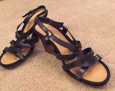 Ladies Clarks Wedge Sandals Size 6
