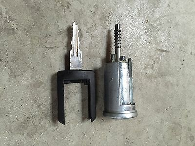 VAUXHALL CORSA C  IGNITION LOCK AND KEY  Ref H8
