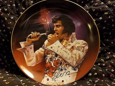 """Elvis """"the king""""  Collectors Plate"""
