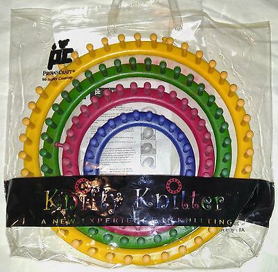 """Knifty Knitter KNITTING SET OF ROUND LOOMS 5"""" 7"""" 9'"""" 11"""" & Hook by Provo Craft"""