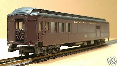 Rivarossi 'HO' Scale Canadian Pacific (CP) Heavyweight RPO Passenger Car