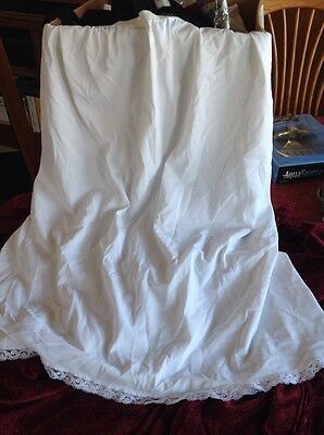 SHADOWLINE Half Slip, Medium - White-Nylon  Made In USA  24""