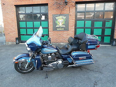 2011 Harley-Davidson Touring  2011 HARLEY DAVIDSON FLHTCU ULTRA CLASSIC SPECIAL EDITION NEW CHASSIS ONE OWNER