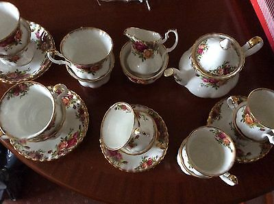 Superb Condition Royal Albert Old Country Roses Tea & Coffee Set.Collection Only