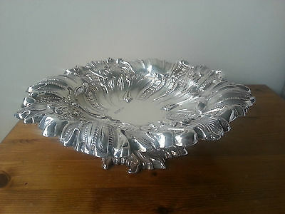 Large Victorian Walker & Hall - Solid Silver Raised Fruit Dish / Bowl Dated 1895