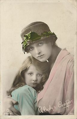 POSTCARD  ACTRESSES  Gladys  Cooper &  Daughter