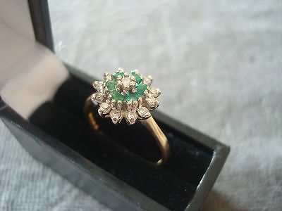 LADIES .750 18CT YELLOW GOLD  DIAMOND / EMERALD RING 3.3g SIZE O BOXED REF 5399