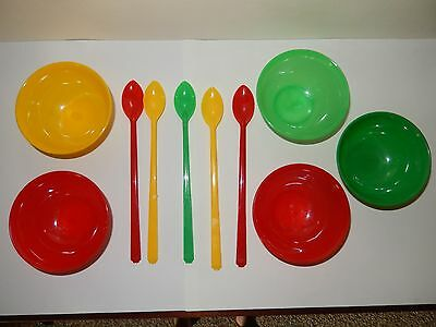 Vintage 5 Plastic Ice Cream Bowls And Spoons Made In Usa