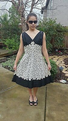 Vintage 50s 60s Party Prom Cocktail Dress Black Cream lace Rhinestones