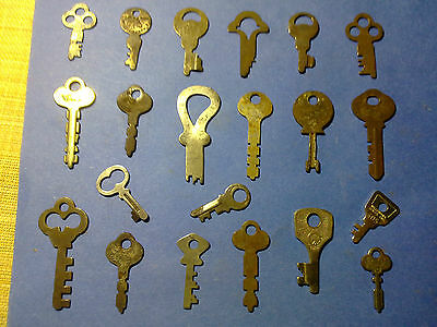 assorted padlock keys and others x 21, antique or vintage (LOTB)