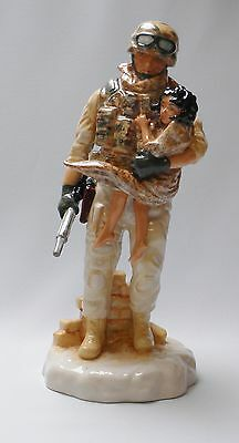 Kevin Francis Peggy Davies Figure In The Arms of a Hero Ltd Ed 11/500