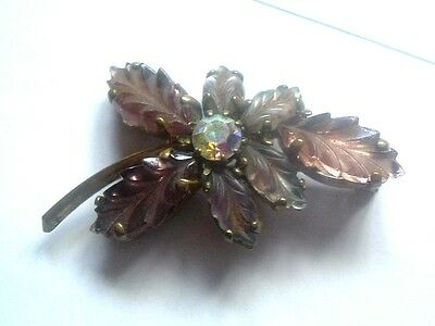"QUALITY 1930s CLAW SET LILAC GLASS STONE BROOCH with TEXTURED LEAF 1 3/4"" (4cm)"
