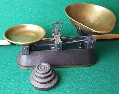 Antique / Vintage - Metal - Kitchen Scales Complete With Weights - Heavy 4.5Kg