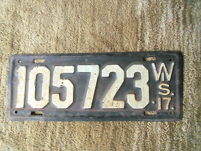 1917  Wisconsin License Plate original Paint 1917  Ford model  T ? 1917 Buick?