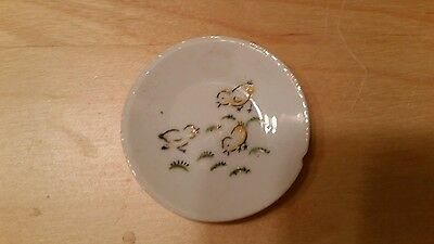 """Vintage 2"""" round plate hand-painted with 3 baby chickens feeding made in Japan"""