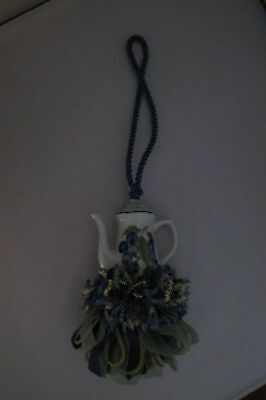 Designer Style – Unique Ceramic Teapot Tassel – New