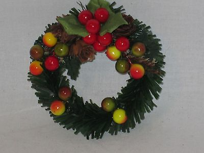 Miniature Decorated 3 1/2 Inch Wreath Accessory for Byers Choice
