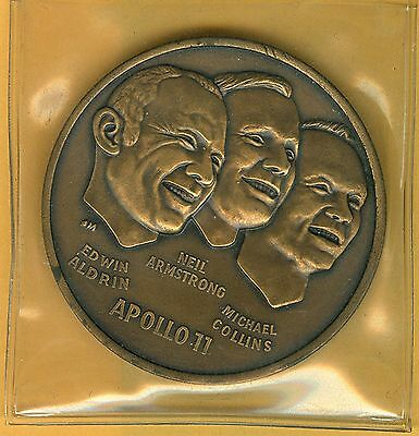Apollo 11 Medallion – First Men On The Moon 1969 – Aldrin, Armstrong, Collins