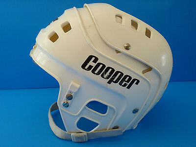 Vintage COOPER SK600 Hockey Helmet Size: 6-3/4 - 7-3/8 White--Made in Canada