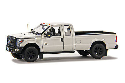 """Ford F250 Pickup Truck - Super Cab - 8 Ft Bed - """"WHITE"""" - 1/50 - Sword #SW1100W"""
