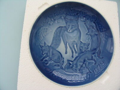 Copenhagen porcelain i Mother's Day Plate 1979 Fox & Cubs  year of the fox