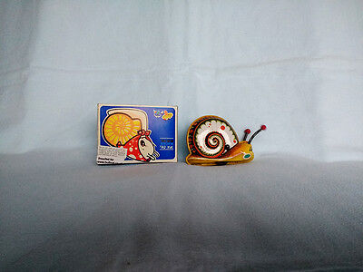 Clockwork/Wind-Up Tin Snail Collectors Toy Retro Original Box with Key.