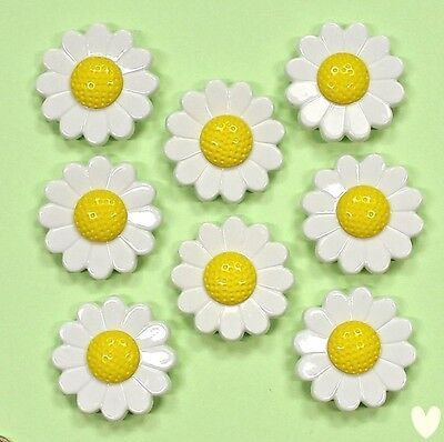 DRESS IT UP Buttons Daisies 27 - Embellishments Flowers Daisy Flower