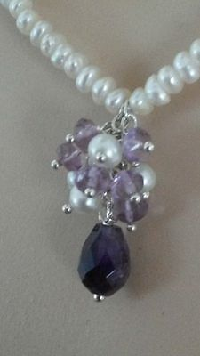 Amethyst & Cultured Pearls. A sterling silver set. The necklace + Earrings