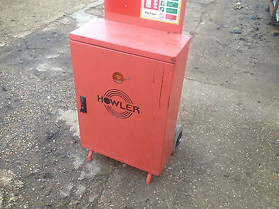 Howler Fire Point Mobile Fire Extinguisher Storage Stand With Siren & Lights