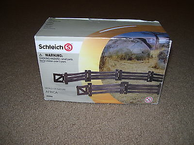 New SCHLEICH #42006 Fence with Gate NIB