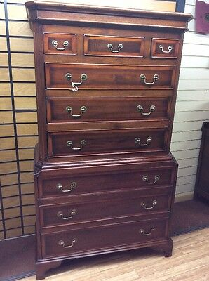 Good Quality Oak Reproduction Chest On Chest Drawers