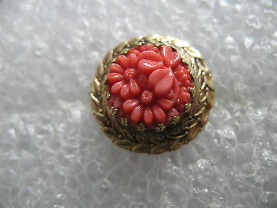 Antique Edwardian Carved Coral Daisy Flower Gold Tone Brooch-Pin