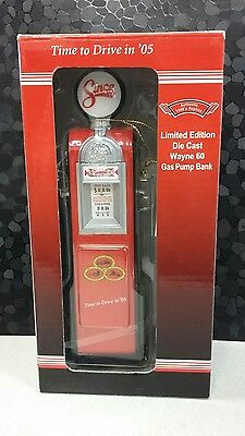 Crown Productions 1940 Wayne Gas Pump Replica, State Farm Ad, Light Up Globe NEW