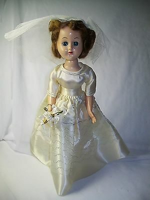 VINTAGE 1940's BRIDE DOLL ? STRUNG AMERICAN CHARACTER  BRIDAL FASHION JOINTED