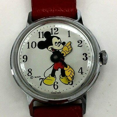 Vintage Disney Mickey Mouse Wind up Ingersol Watch w/Original box