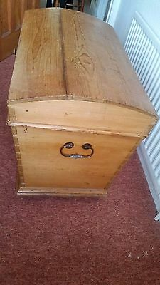 Large Wooden (Pine) vintage Doomed top chest trunk, fair condition