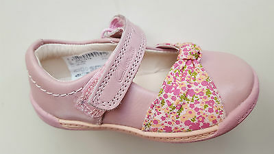 CLARKS baby girl SOFTLY NIA FST baby pink leather first shoes UK size 3.5