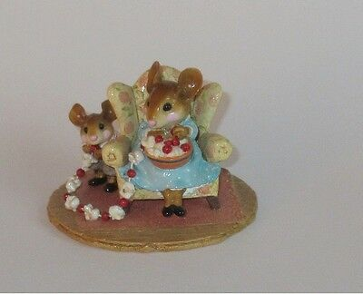 Wee Forest Folk - M-333 A SNEAKY TREAT