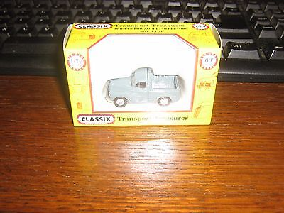 DIE-CAST - MORRIS MINOR PICK UP IN GREY - 00 gauge / 1:76 model