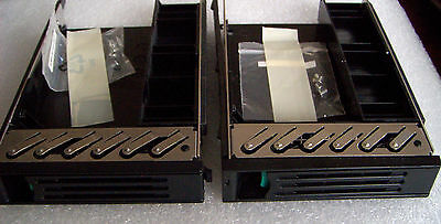Intel SAS HDD 3.5 to 2.5 Adapter With Screws Lot Of 2 P/N: 1B31HY800-600-G(New)
