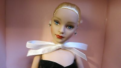 """Robert Tonner~~Tiny Kitty Collier~~""""femme Fatale""""~~Mib!!~~Free Shipping!"""