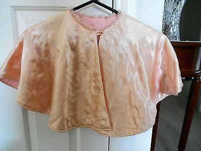 1940s VINTAGE QUILTED SATIN BED CAPE JACKET PALE PEACH COLOUR
