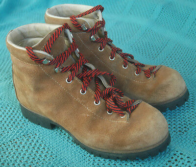VASQUE Brown Genuine Leather Hiking Boots Mens 8.5 Italy Vibram Soles 7532