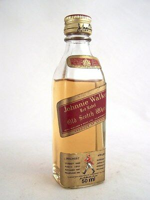 Miniature circa 1977 JOHNNIE WALKER RED LABEL Scotch Whisky Isle of Wine