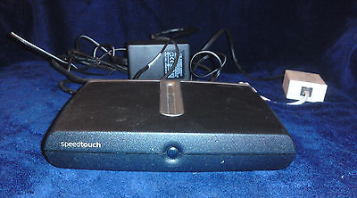 Thomson SpeedTouch 510. Broadband modem with 4-port router/hub
