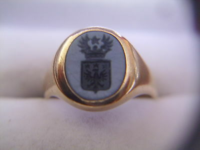 18 carat gold agate intaglio ring with family coat of arms - armorial crest