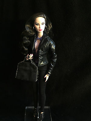 Integrity Toys Fashion Royalty Gloss Evening Siren Convention Ayumi dressed
