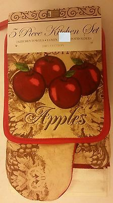5 pc KITCHEN SET: 2 POT HOLDERS, 1 OVEN MITT & 2 TOWELS, 4 APPLES