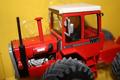 Britains  Massey Ferguson 1505 Tractor 1:32 Authentic  Toy Tractor Rare